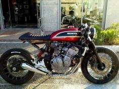 Honda Hornet by Jigsaw Custom Motorcycles #honda #caferacer #motos |