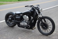 Honda Shadow 750 Bobber - black matte'd out.