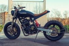 Honda XR600R Street Tracker by Ozz Customs #motorcycles #streettracker #motos |