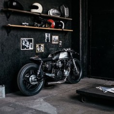 Hookie Co CB750 Cafe Racer #motorcycles #caferacer #motos |