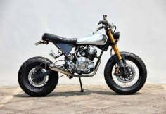 How fun would this be, ripping around town? Yamaha Scorpio 225 Street Tracker