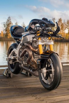 ​How To Turn A Wrecked Buell XBRR into A John Player Special Tribute