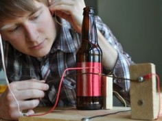 If you happen to have an empty glass bottle, why not make a radio with it?