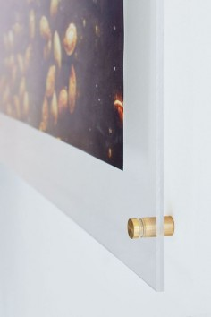 in love with this ultra modern DIY frame! perfect for a minimal space or chic accent piece