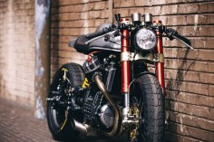 Is the perfect motorcycle? ‪Sacha Lakic‬ ‪with ‎Honda‬ CX500 Cafe Racer‬.Disfruta de todas las fotos de Sacha Lakic Design y su preciosa moto: