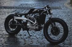 Jewel on wheels. Honda CX500 #CafeRacer by Auto Fabrica. Una moto con la base de una #Honda que te ofrece un diseño elegante y lleno de detalles |