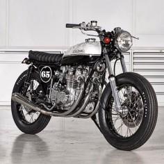 Jonathan Rea's Honda CB Brat Style #motorcycles #bratstyle #motos |