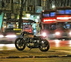 Kawasaki KZ750 cafe racer discover #motomood