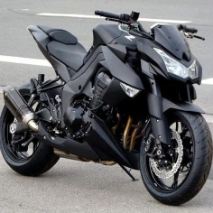 Kawasaki Z1000 with modified exhaust  Which eliminates the only weakness of the design.