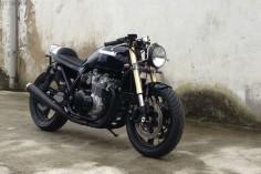 Kawasaki-Zephyr-750-Cafe-Racer