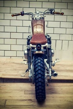 KINGSTON CUSTOM - HONDA CB550 Brat Style #motorcycles #bratstyle #motos |