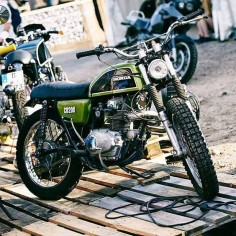 "klassikkustoms: ""#Honda #CB200 #tracker """