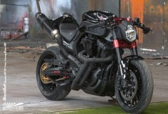 Known as the Boso San Black Bull this Yamaha MT-01 has been heavily modified and is stunning in its raw beast style. Sadly the donor bike the Yamaha MT-01 is not available in the US. Boooo! lol
