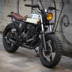 Laurinha Plim Plim - Honda 300cc 0km.