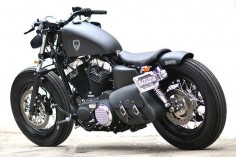 Love it! | Studio Motor Harley-Davidson Sportster Forty-Eight. I have no idea what that means, but this is still cool.