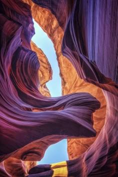 Lower Antelope Canyon. Amazing shot!