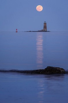 "May 2012 ""super moon"" rises over Whaleback Light as seen from New Castle Commons."