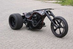 Mean looking trike!