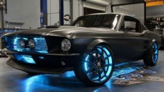 Microsoft Built This Ridiculous Windows-Powered Retromod Mustang This car is sick!