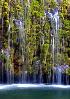 Mossbrae Falls, California, United States