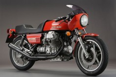Moto Guzzi 850 Le Mans. i had the chance to own a bike just like this, 4 yrs ago. wish i hadn't passed on it.