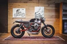 Moto Guzzi Cafe Racer by BAAK Motocyclettes Moto Guzzi Cafe Racer - Alberto Zuffanti #motorcycles #caferacer #motos |