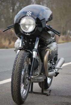 "Moto Guzzi ""Classic Le Mans"""