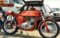 Moto_Guzzi__Lodola_250_cafe_racer_(1)_-__Zolder_OGP_� Bild anklicken, um das Fenster zu schließen!