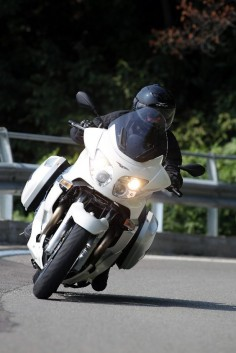 MOTO GUZZI Norge GT 8V (via Motociclismo)