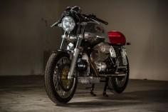 MOTO GUZZI V7 - BARN LUCK - HELL KUSTOM