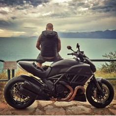 Motorcycle / Motor : Ducati Diavel ----------------------------------------- Fotoğraf / Photo : @atesozkan Sayfada yer almak için; Tag #turkishmotorcycles by turkishmotorcycles