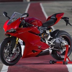 """New 2015 1299 Ducati @ducatistagram #ducati #iducati #cyclelaw #carswithoutlimits #carporn #bikeporn"""