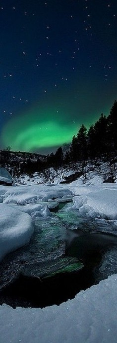 Northern Lights and Tennevik river in Troms, Norway • photo: Arild Heitmann on Flickr