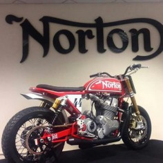 Norton 961 flat tracker