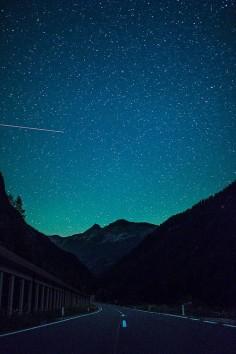 o brilho das estrelas o mais imprecionante o mais cadente dos céus.