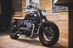Our Triumph Bonneville Bobber in the workshop. Learn more at :
