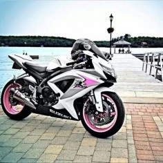 Pink and black and white Gsxr ::