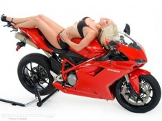 pinup_holliann_ducati1098 -