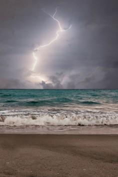 plasmatics: Ocean Waves| By Laurarama [via/more]