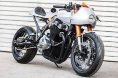 Racing Cafè: Laverda 1000 by Custom Wolf #boris_stratievsky #motorcycles #bikes