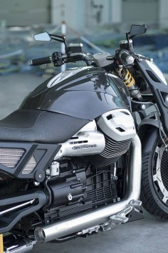 """Racing Cafè: Moto Guzzi California 1400 """"Lupus Alpha"""" by Officine Rossopuro"""