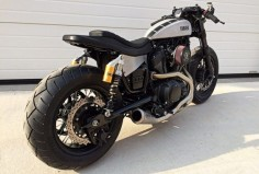 Ready? Yamaha XV950 #CafeRacer by Moto di Ferro. Muy guapa esta #Yamaha con un cambio brutal respecto a la original. El colín ha quedado de miedo |