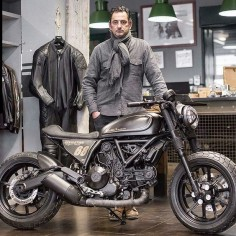 """#Repost @scramblerducati with @repostapp ・・・ { Ducati Scrambler Revolution }  Revolution is a Ducati Scrambler Sixty2 that has undergone the full bobber…"""