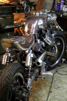 RocketGarage Cafe Racer: 500 CX Aluminium