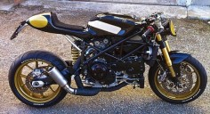 RocketGarage Cafe Racer: Ducati 999 Pirate edition