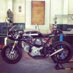 RocketGarage Cafe Racer: Ducati Leggero
