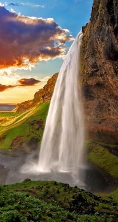 Seljalandsfoss. Iceland