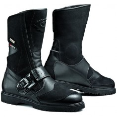 Sidi Canyon Gore-Tex Motorcycle Boots Description: The Sidi Canyon Goretex Motorbike Boot has a range of innovative features making it a unique boot: Specifications include Top grain leather construction Contrasting texture upper Equipped with a