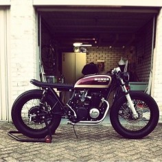 six3seven:  By 'caferacerclub' on instagram: Check out