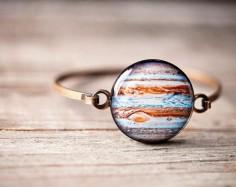 Space Jewelry – Quand les planètes et les galaxies deviennent de superbes bijoux